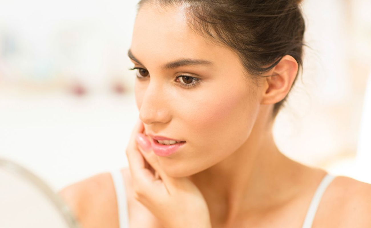 Smooth skin and different approaches to acne treatment