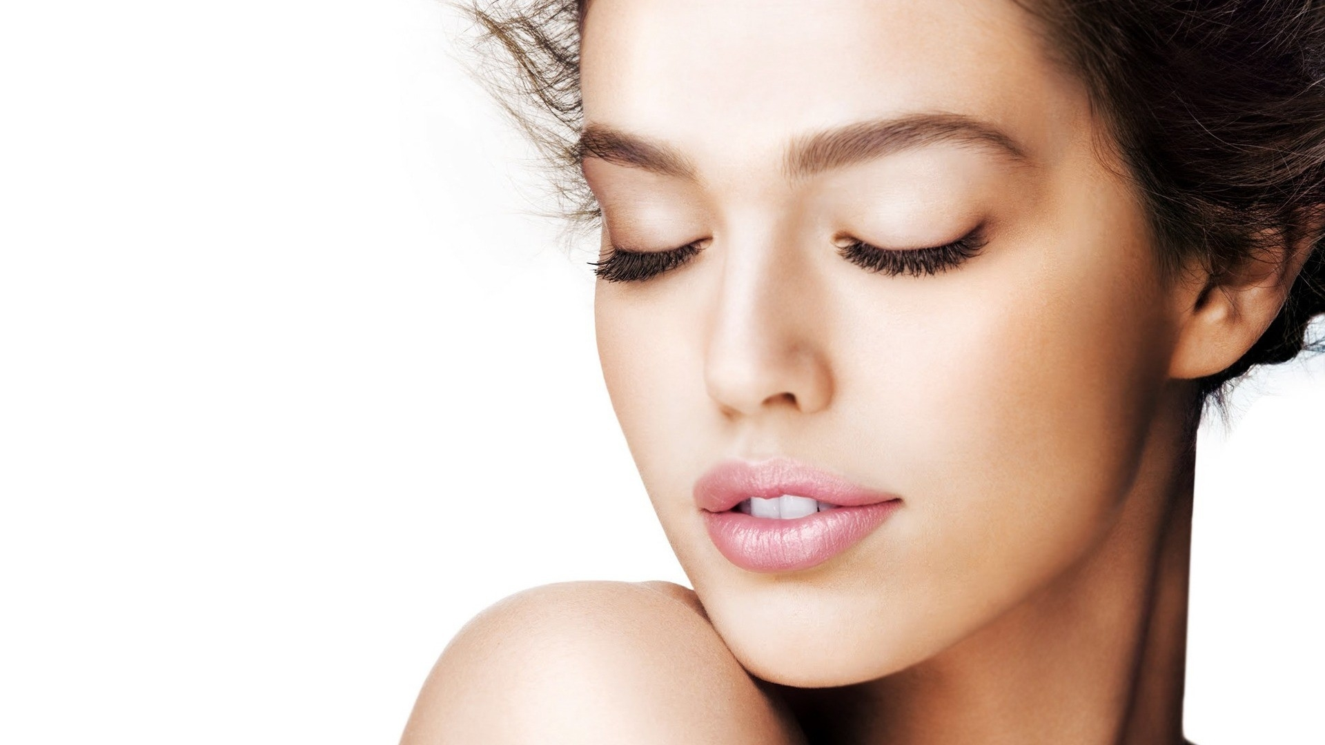 Women's Health and Aesthetic medicine. Dr Ria Smit Aesthetics is located in Paarl, offers Botox, Acne Treatment, Dermal Fillers, Skin Renewal, Woman's Health, Aesthetic Consultation